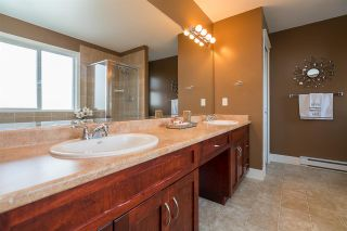 """Photo 10: 14963 59 Avenue in Surrey: Sullivan Station House for sale in """"PANORAMA"""" : MLS®# R2141540"""