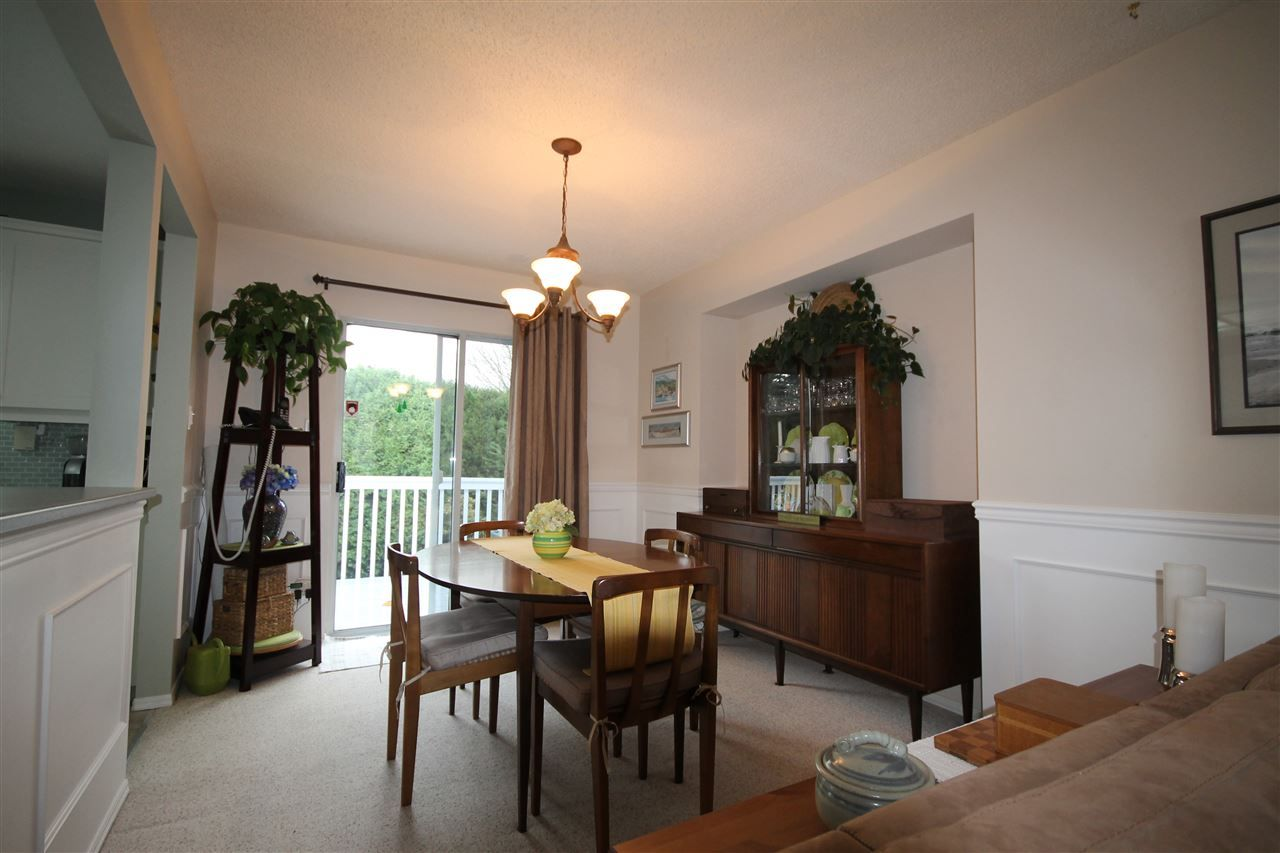 Photo 4: Photos: 1938 154A Street in Surrey: King George Corridor House for sale (South Surrey White Rock)  : MLS®# R2015886