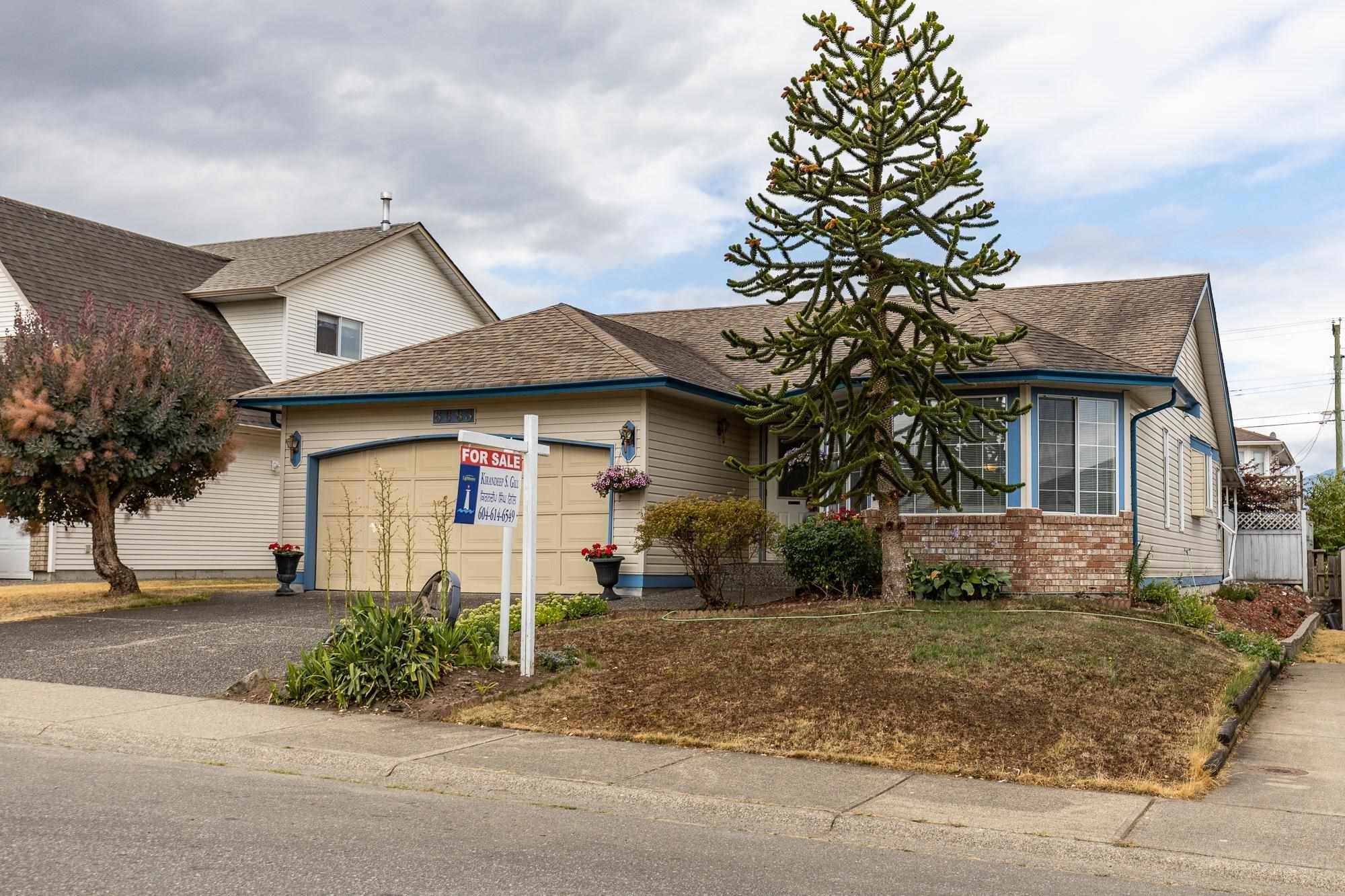 Main Photo: 5683 GILLIAN Place in Chilliwack: Vedder S Watson-Promontory House for sale (Sardis)  : MLS®# R2603235