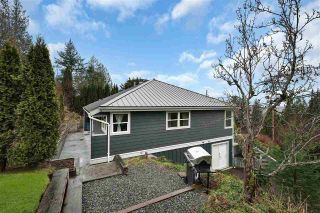 Photo 2: 38132 CLARKE Drive in Squamish: Hospital Hill House for sale : MLS®# R2442112