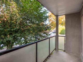 "Photo 12: 3 25 GARDEN Drive in Vancouver: Hastings Condo for sale in ""25 Garden Drive"" (Vancouver East)  : MLS®# R2558672"