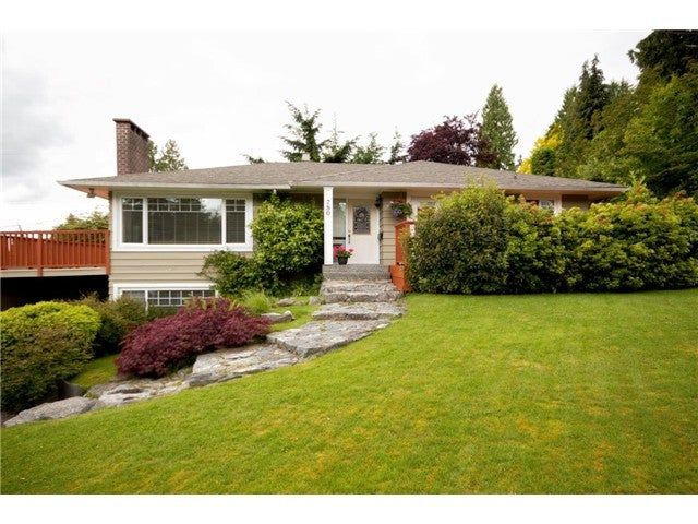 Photo 3: Photos: 780 Blythwood Drive in North Vancouver: Delbrook House for rent