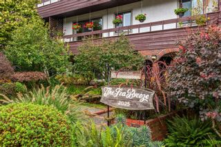 """Photo 2: 307 2025 W 2ND Avenue in Vancouver: Kitsilano Condo for sale in """"THE SEABREEZE"""" (Vancouver West)  : MLS®# R2620558"""