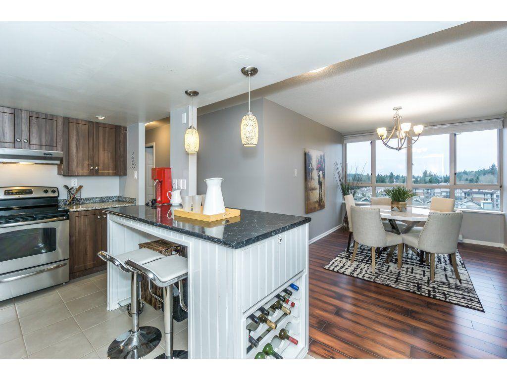 Photo 2: Photos: 802  10082 - 148 Street in Surrey: Guilford Condo for rent (North Surrey)