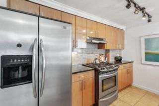 """Photo 11: 805 1077 MARINASIDE Crescent in Vancouver: Yaletown Condo for sale in """"MARINASIDE RESORT RESIDENCES"""" (Vancouver West)  : MLS®# R2582229"""