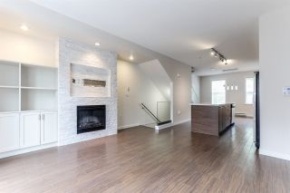 Photo 4: 12 2495 DAVIES AVENUE in Port Coquitlam: Central Pt Coquitlam Townhouse for sale : MLS®# R2367911