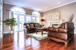 Photo 5: 4220 STARLIGHT WAY in North Vancouver: Upper Delbrook House for sale : MLS®# R2036386