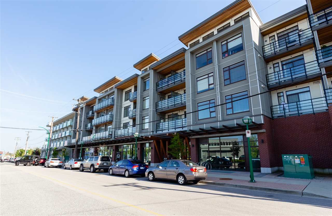 Main Photo: PH10 5288 GRIMMER Street in Burnaby: Metrotown Condo for sale (Burnaby South)  : MLS®# R2264811