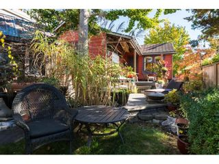 Photo 5: 952 PARKER Street: White Rock House for sale (South Surrey White Rock)  : MLS®# R2114907