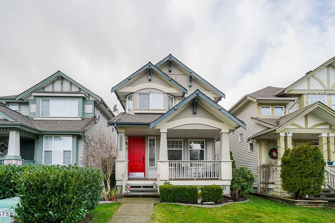 Main Photo: 6667 184A Street in Surrey: Cloverdale BC House for sale (Cloverdale)  : MLS®# R2561168
