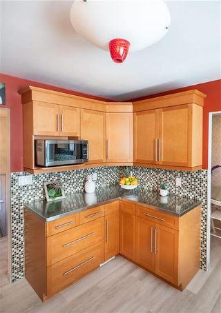 Photo 9: 11 Nugent Road in Winnipeg: Mission Gardens Residential for sale (3K)  : MLS®# 202110432