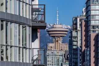 "Photo 13: 1704 1199 SEYMOUR Street in Vancouver: Downtown VW Condo for sale in ""BRAVA"" (Vancouver West)  : MLS®# R2531819"