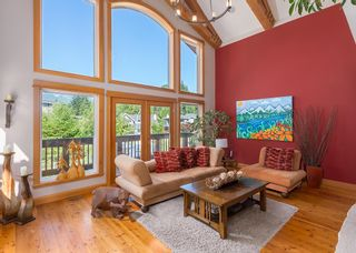 """Photo 2: 1002 BALSAM Place in Squamish: Valleycliffe House for sale in """"RAVENS PLATEAU"""" : MLS®# R2611481"""