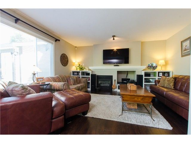 """Photo 8: Photos: 7548 147A Street in Surrey: East Newton House for sale in """"Chimney Heights"""" : MLS®# F1440395"""