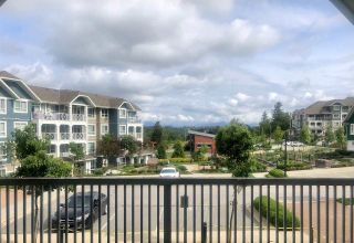 "Photo 10: 201 16388 64 Avenue in Surrey: Cloverdale BC Condo for sale in ""THE BOSE RIDGE FARMS"" (Cloverdale)  : MLS®# R2483722"