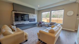 """Photo 8: 39260 CARDINAL Drive in Squamish: Brennan Center House for sale in """"Brennan Center"""" : MLS®# R2545288"""