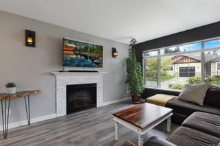 Photo 5: 4 2728 1st St in : CV Courtenay City Row/Townhouse for sale (Comox Valley)  : MLS®# 879923