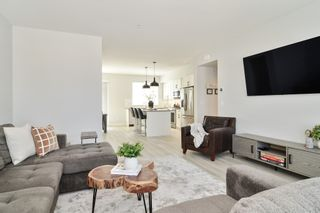 """Photo 5: 44 8371 202B Street in Langley: Willoughby Heights Townhouse for sale in """"Kensington Lofts"""" : MLS®# R2606298"""