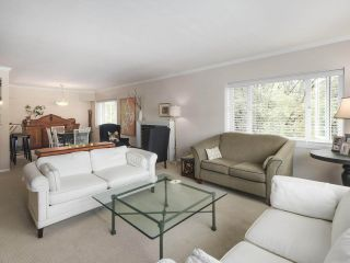 """Photo 1: 201 1595 W 14TH Avenue in Vancouver: Fairview VW Condo for sale in """"Windsor Apartments"""" (Vancouver West)  : MLS®# R2488513"""