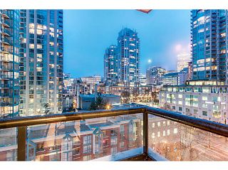 "Photo 10: 903 928 HOMER Street in Vancouver: Yaletown Condo for sale in ""YALETOWN PARK1"" (Vancouver West)  : MLS®# V1105059"