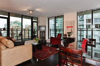 """Photo 8: 1007 788 RICHARDS Street in Vancouver: Downtown VW Condo for sale in """"L'HERMITAGE"""" (Vancouver West)  : MLS®# V815597"""