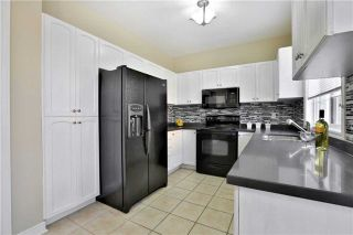 Photo 10: 1007 Sprucedale Lane in Milton: Dempsey House (2-Storey) for sale : MLS®# W3663798