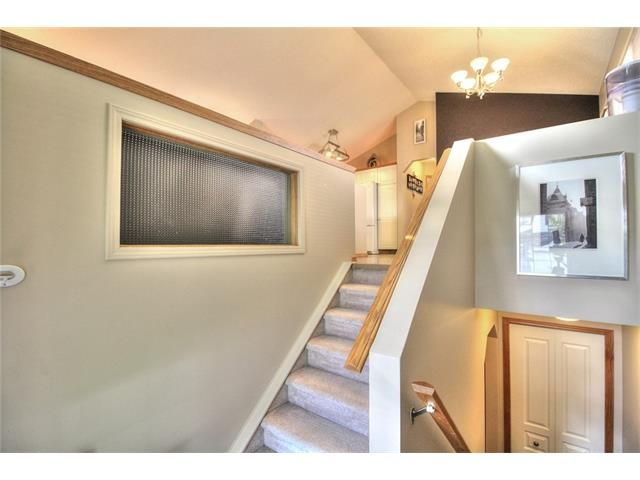Photo 4: Photos: 89 BRIDLEWOOD Park SW in Calgary: Bridlewood House for sale : MLS®# C4033119