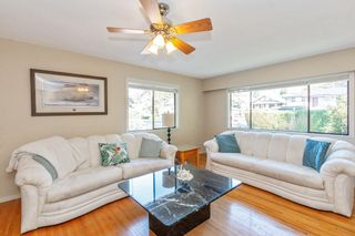 Photo 5: 117 W ST. JAMES Road in North Vancouver: Upper Lonsdale House for sale : MLS®# R2614107