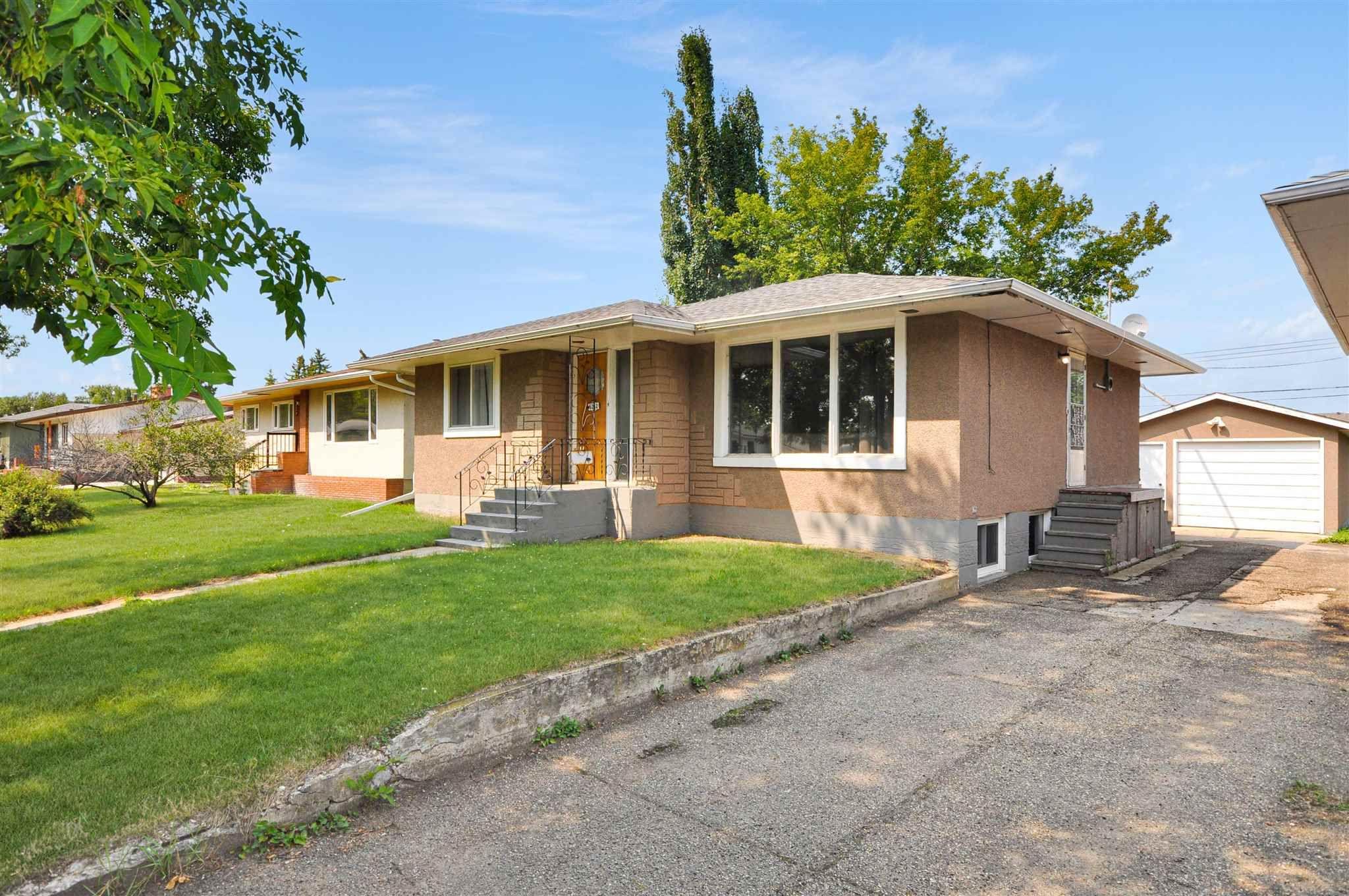Main Photo: 5212 52 Avenue: Wetaskiwin House for sale : MLS®# E4264962