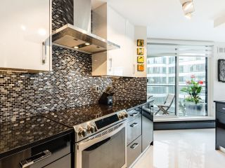 Photo 12: 1505 1010 BURNABY STREET in Vancouver: West End VW Condo for sale (Vancouver West)  : MLS®# R2613983