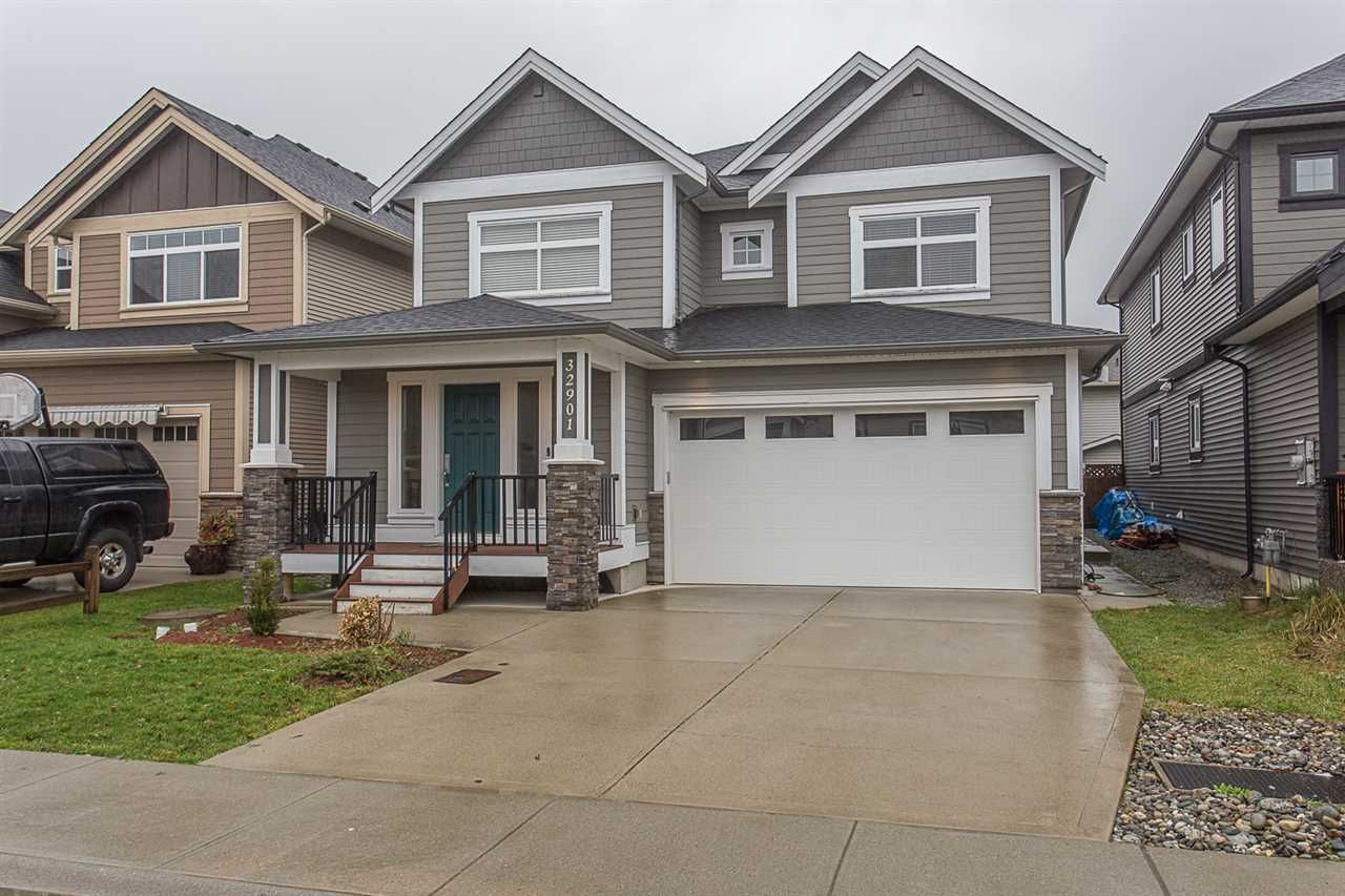 Main Photo: 32901 SYLVIA Avenue in Mission: Mission BC House for sale : MLS®# R2236865