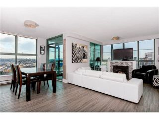 """Photo 1: 1304 1159 MAIN Street in Vancouver: Mount Pleasant VE Condo for sale in """"CITY GATE II"""" (Vancouver East)  : MLS®# V1136462"""