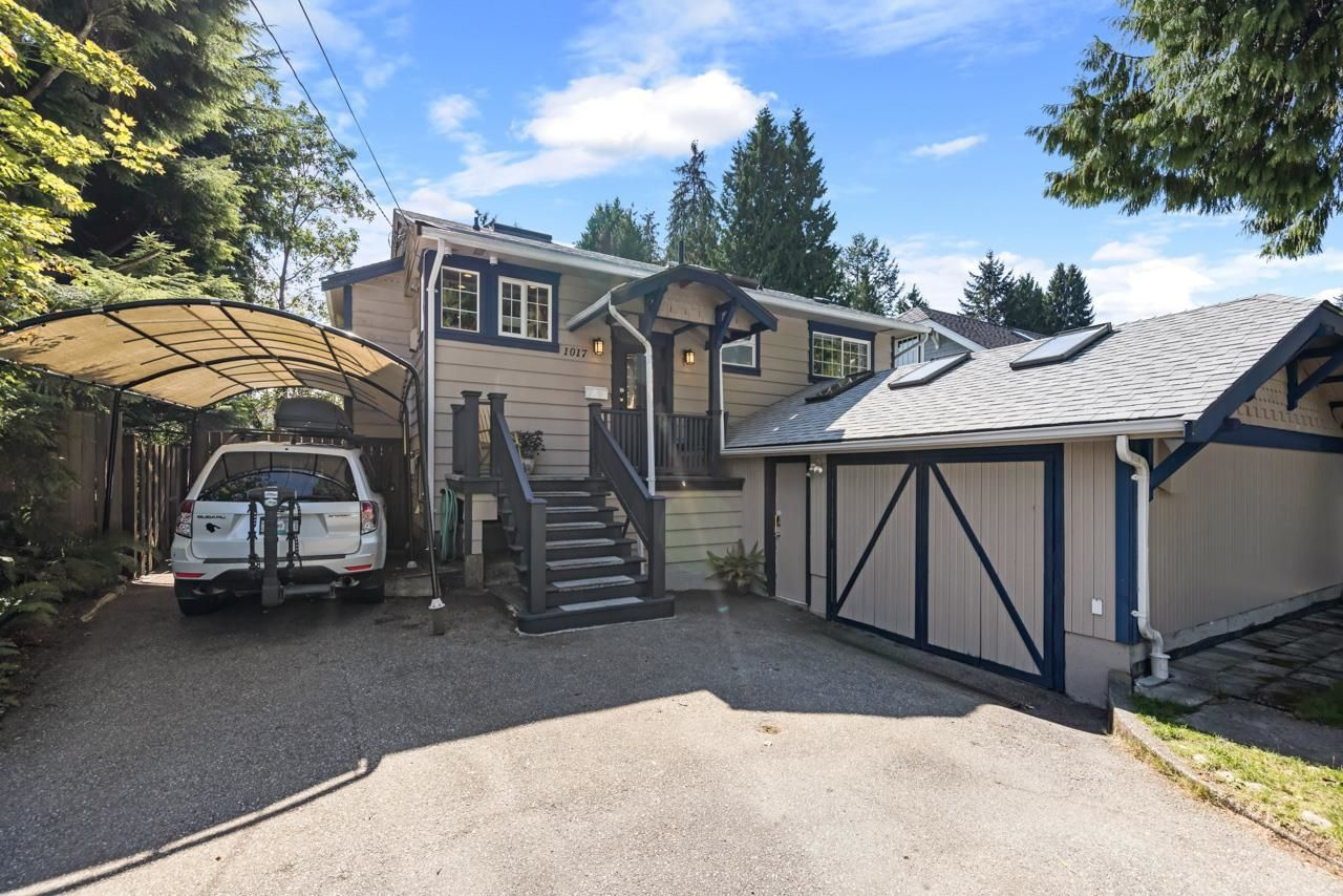 """Main Photo: 1017 SHAKESPEARE Avenue in North Vancouver: Lynn Valley House for sale in """"Lynn Valley - Poet's Corner"""" : MLS®# R2617464"""