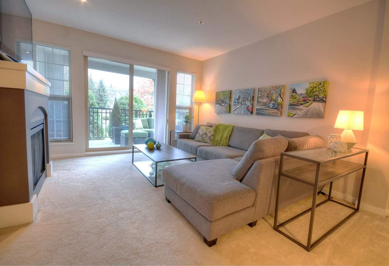 """Photo 2: Photos: 309 2968 SILVER SPRINGS Boulevard in Coquitlam: Westwood Plateau Condo for sale in """"TAMARISK"""" : MLS®# R2237139"""