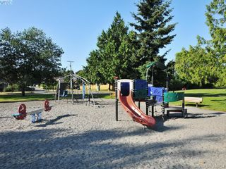 Photo 21: 403 1000 Inverness Rd in VICTORIA: SE Quadra Condo for sale (Saanich East)  : MLS®# 832735