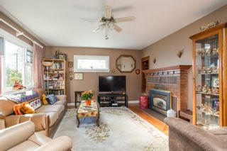 Photo 3: 1925 EIGHTH Avenue in New Westminster: West End NW House for sale : MLS®# R2511644