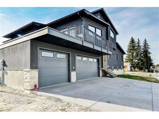 Photo 1: 1103 40 Street SW in Calgary: Rosscarrock House for sale : MLS®# C4059738