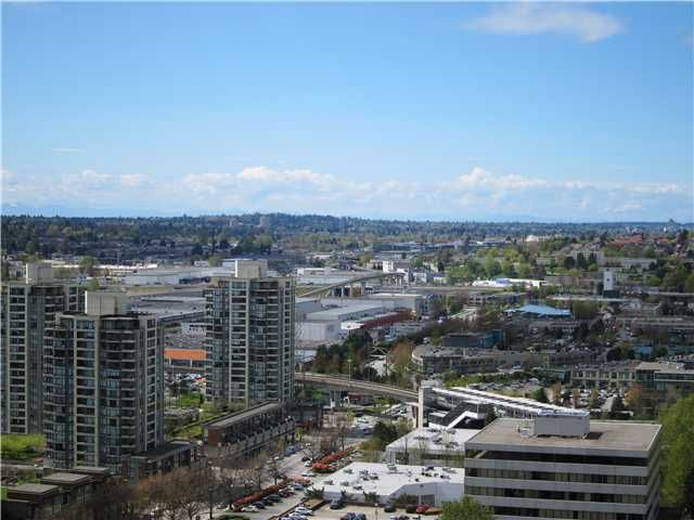 FEATURED LISTING: 2206 - 2077 ROSSER Avenue Burnaby