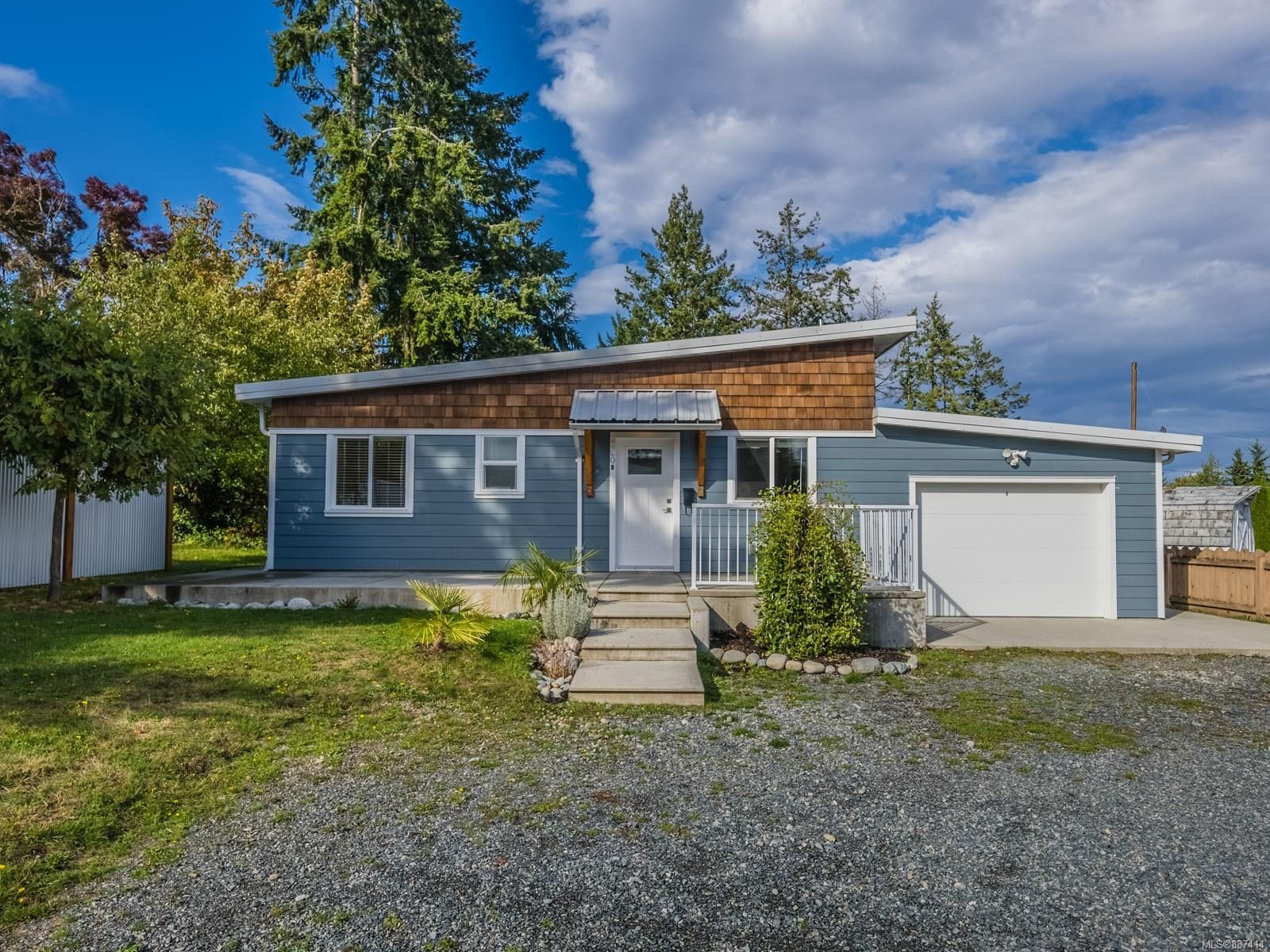 Main Photo: 920 Dufferin St in : Na Central Nanaimo House for sale (Nanaimo)  : MLS®# 887414