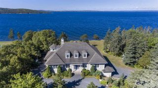Photo 1: 1 Seaside Drive in Hackett's Cove: 40-Timberlea, Prospect, St. Margaret`S Bay Residential for sale (Halifax-Dartmouth)  : MLS®# 202019742
