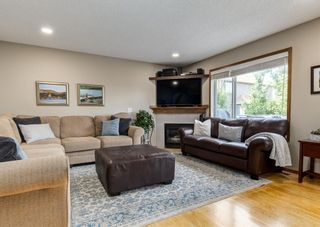 Photo 13: 126 Strathridge Close SW in Calgary: Strathcona Park Detached for sale : MLS®# A1123630