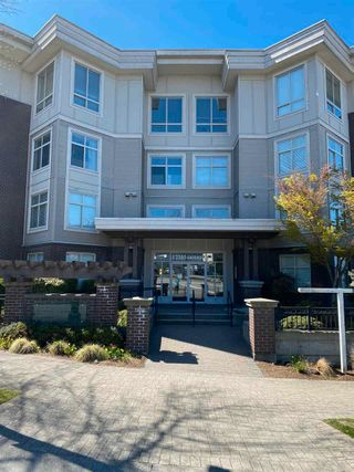 "Main Photo: 109 13555 GATEWAY Drive in Surrey: Whalley Condo for sale in ""Evo"" (North Surrey)  : MLS®# R2566821"