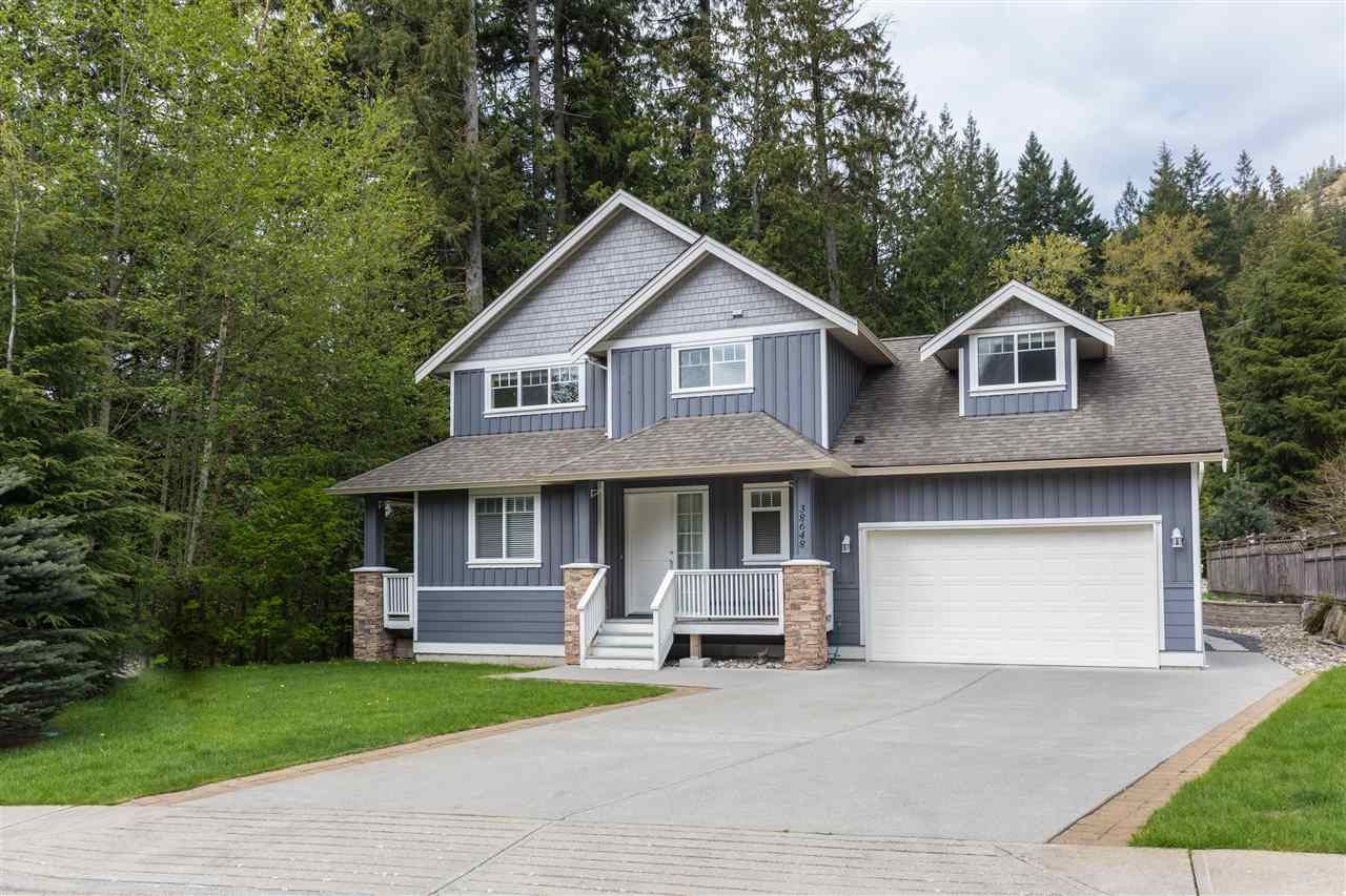 """Main Photo: 38648 CHERRY Drive in Squamish: Valleycliffe House for sale in """"Raven's Plateau"""" : MLS®# R2205403"""