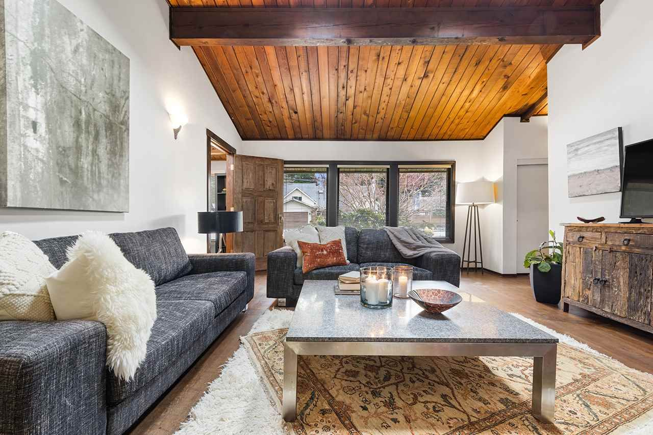 Photo 20: Photos: 3929 Sunset Boulevard in North Vancouver: Edgemont House for rent