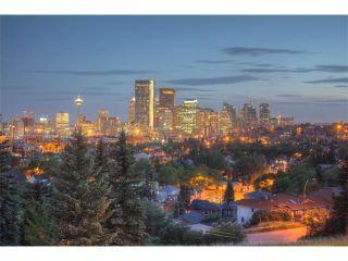 Main Photo: 1227 COLGROVE Avenue NE in Calgary: Renfrew_Regal Terrace House for sale : MLS®# C4016870