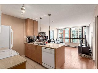 """Photo 2: 2902 928 HOMER Street in Vancouver: Yaletown Condo for sale in """"YALETOWN PARK"""" (Vancouver West)  : MLS®# V1125187"""