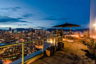 """Photo 3: 3905 1033 MARINASIDE Crescent in Vancouver: Yaletown Condo for sale in """"QUAYWEST"""" (Vancouver West)  : MLS®# R2366439"""