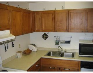 """Photo 6: 906 3771 BARTLETT Court in Burnaby: Sullivan Heights Condo for sale in """"TIMBERLEA"""" (Burnaby North)  : MLS®# V776369"""