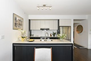 """Photo 19: 404 2851 HEATHER Street in Vancouver: Fairview VW Condo for sale in """"Tapestry"""" (Vancouver West)  : MLS®# R2512313"""