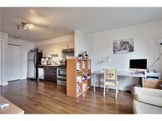 """Photo 6: 106 5568 KINGS Road in Vancouver: University VW Townhouse for sale in """"GALLERIA"""" (Vancouver West)  : MLS®# V1109797"""